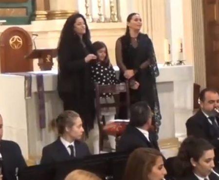 Rocío Segura y Sonia Miranda cantan al Cristo de los Gitanos