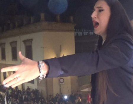 Ana Mar canta una saeta por seguiriya al Cristo de la Redención en su Descendimiento | 2018