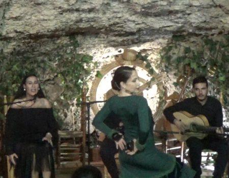 Fandangos de Huelva al baile Virginia Garcia cante Ana Mar al toque Antonio Quero y a las palmas Niño de Las Cuevas