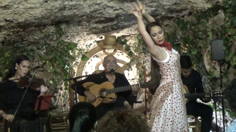 Zambra. Al baile Virgina Garcia al cante Niño de las Cuevas guitarra Antonio de Quero violin Ana Mar (3).Movie_Instantánea