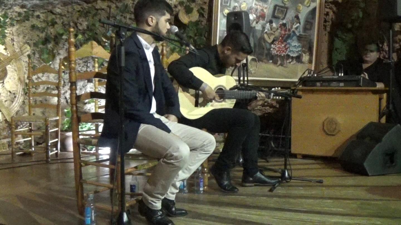 unos cantes de co de Malaga por Eduardo Lopez.Movie_Instantánea